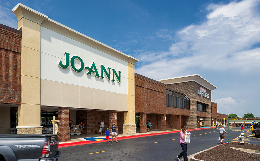 Lakeland Plaza Photo